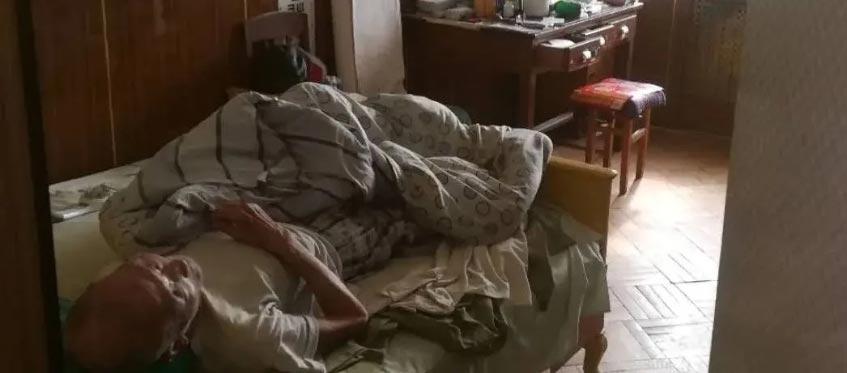 报纸投递员发现一个细节,救出88岁老人!