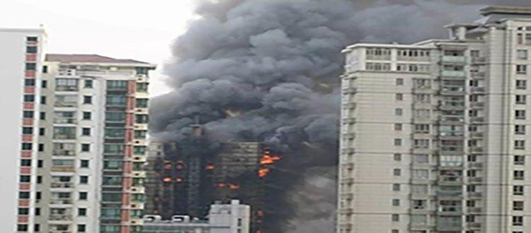 揪心!24楼起火!市中心两建筑突发火灾,共19辆消防车前往扑救