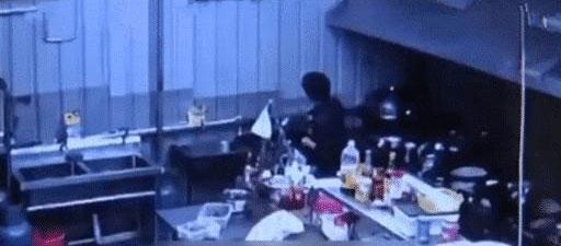 小偷连续光顾一家餐厅,竟只为练习炒菜?店主:走之前还把碗洗了